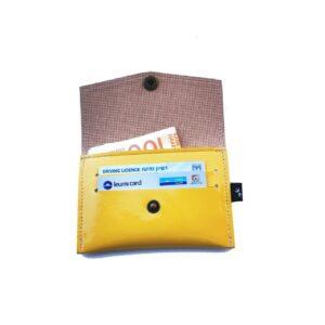 ארנק קטן צהוב לקה